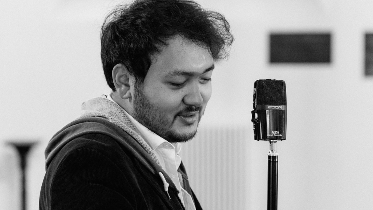 Watch Poetry and Piano live sessions